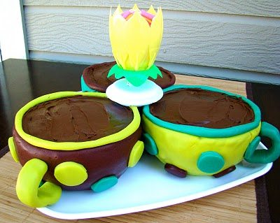 Teacups made with fondant for a party
