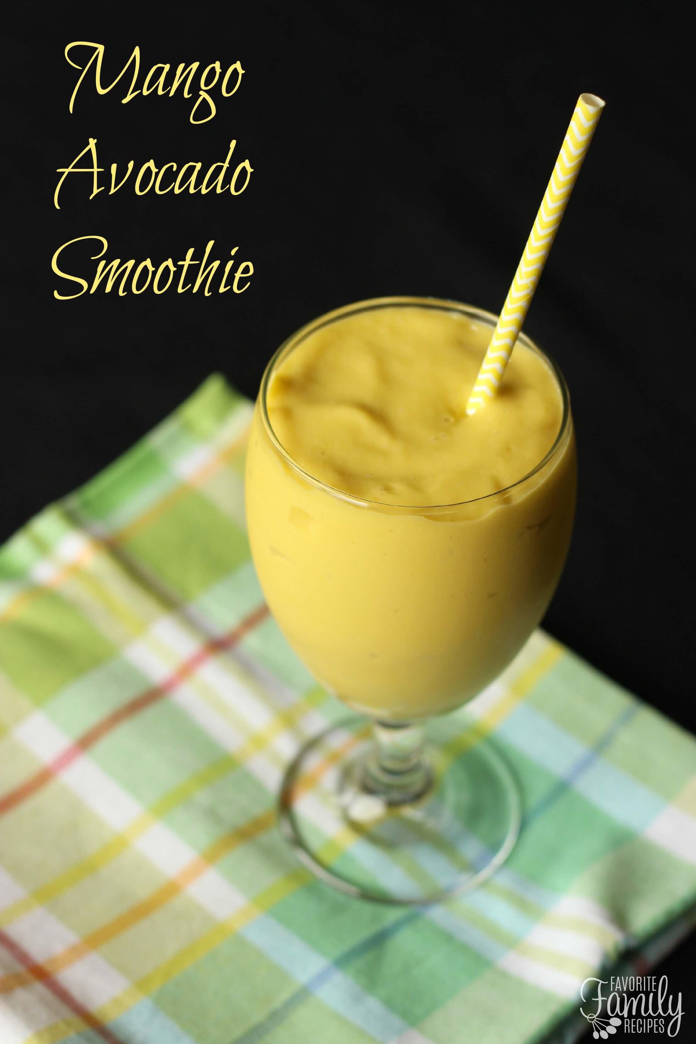 how to make mango smoothie with yogurt