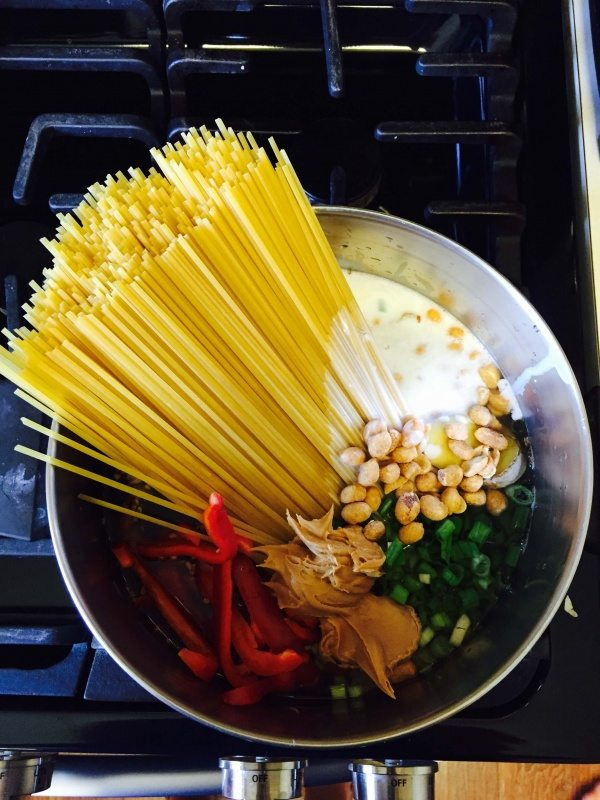 Uncooked One Pot Thai Peanut Pasta