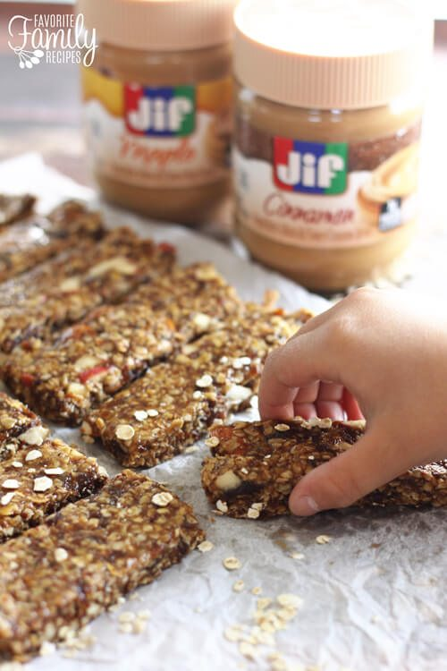Cinnamon Peanut Butter Granola Bars (plus 10 Happy Morning Hacks)