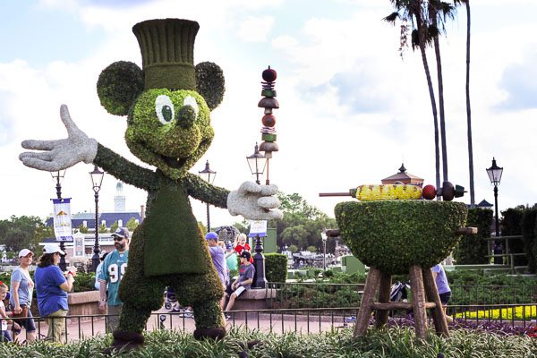 Topiary Mickey Mouse barbecuing on a topiary grill at Epcot Food and Wine Festival