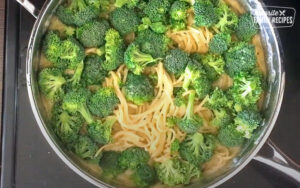 Adding broccoli to one pot creamy garlic noodles