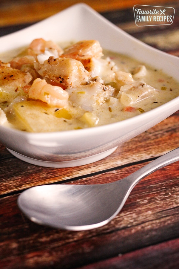 Thick And Hearty Seafood Chowder Favorite Family Recipes