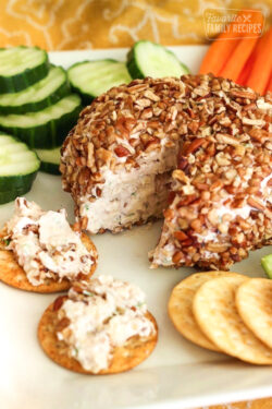 Strawberry Jalapeño Cheese Ball served with crackers
