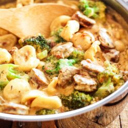 Creamy One Pot Tortellini with Sausage and broccoli