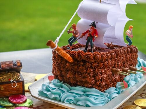 Brilliant Pirate Ship Cake Great For Birthdays Favorite Family Recipes Funny Birthday Cards Online Inifodamsfinfo