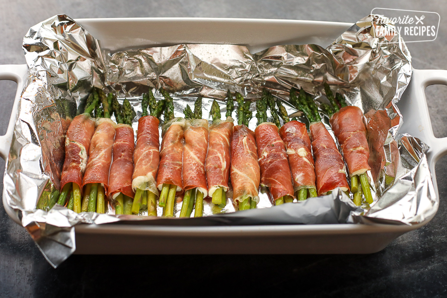Prosciutto wrapped asparagus in a pan