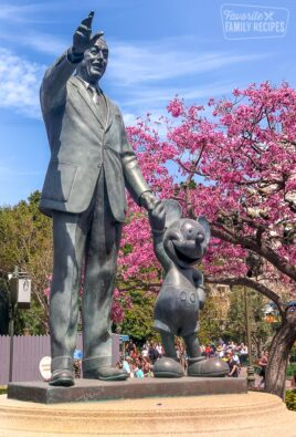 Walt Disney and Mickey statue in Magic Kingdom
