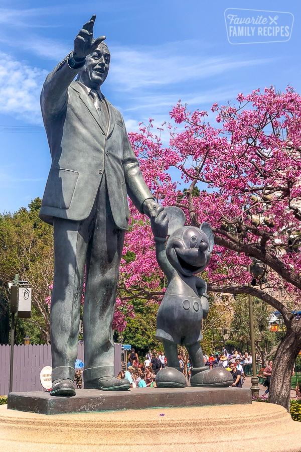 Walt Disney and Mickey statue in Magic Kingdom