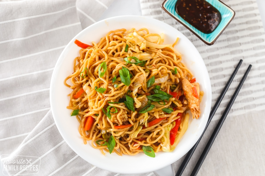 Chicken yakisoba in a bowl
