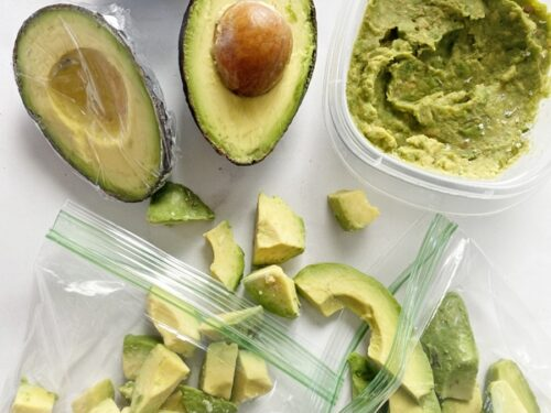 Different sized slices on avocado ready to freeze