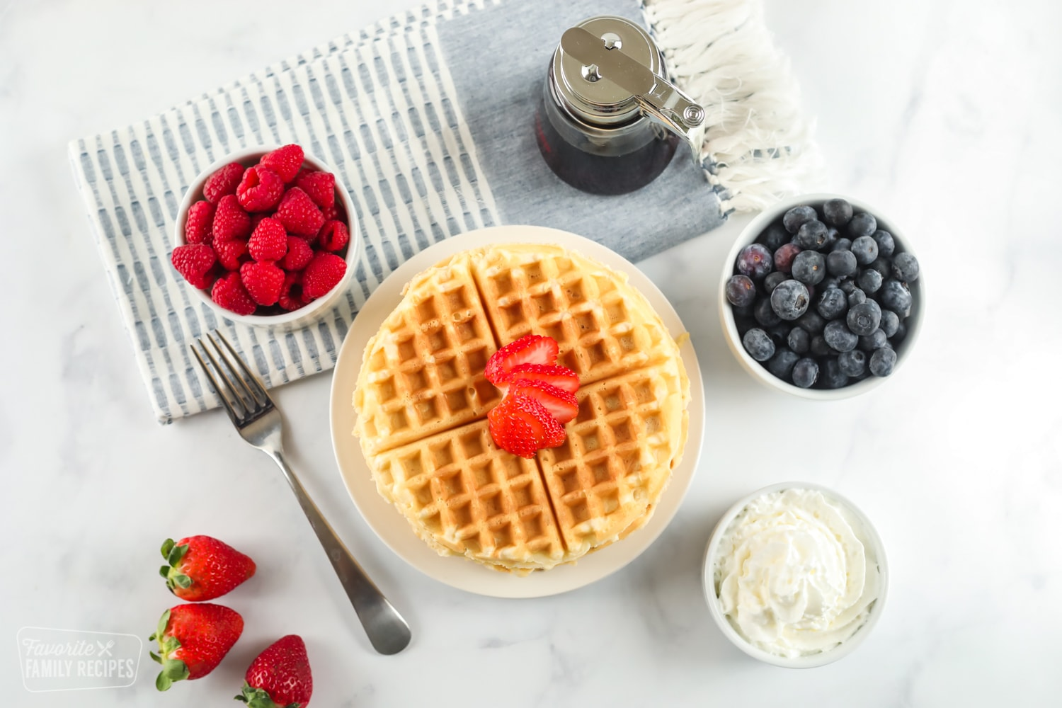Easy-to-make waffles with breakfast setting